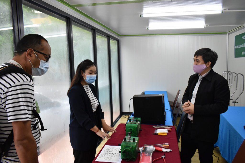 """สถาบันเทคโนโลยีปทุมวัน สาธิตวิธีซ่อมบำรุงและดูแลรักษาเครื่องช่วยหายใจ BIRD เพื่อออกอากาศรายการ """"ร่วมใจคนไทยสู้ภัย COVID-19"""""""