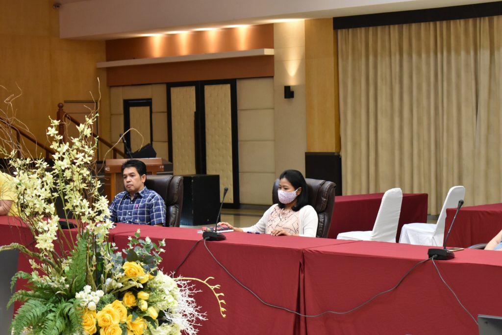 ประชุมฝ่ายบริหารเพื่อแถลงนโยบายการบริหารงานและแนวทางการดำเนินงานต่างๆ ภายในสถาบัน